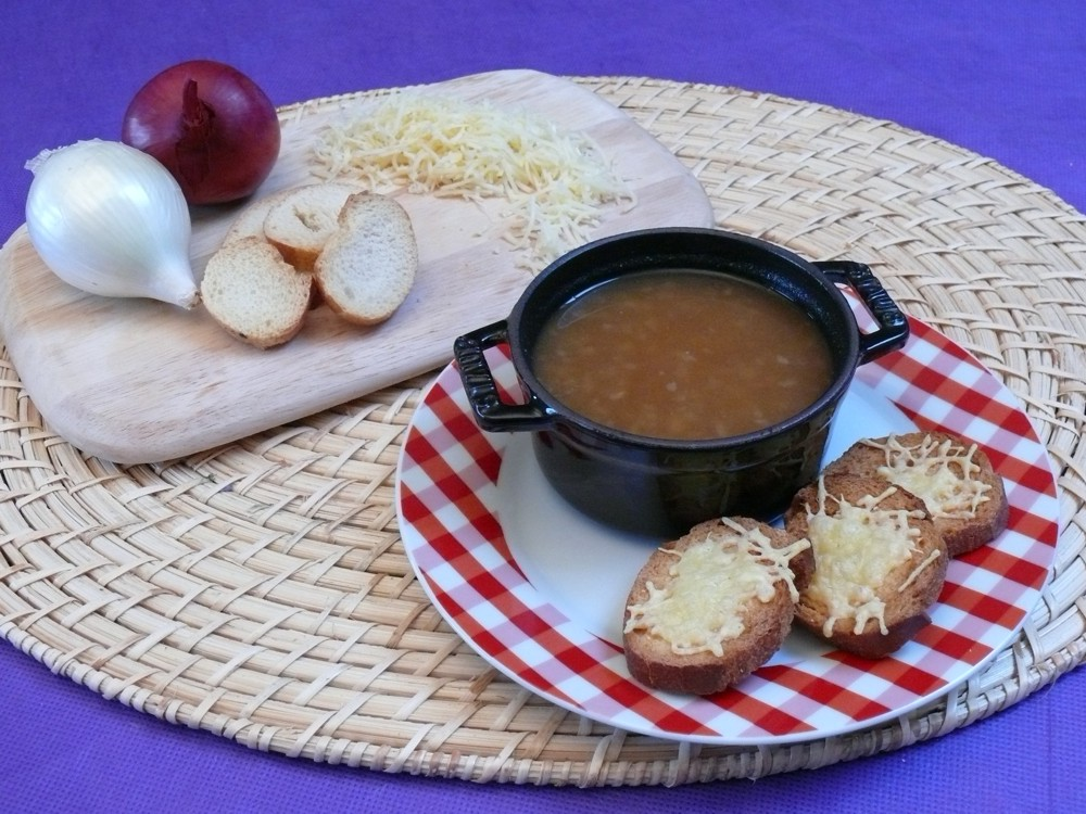 http://www.vici-restauration.com/wp-content/uploads/soupe_oignon_CE_0102janvfev.jpg
